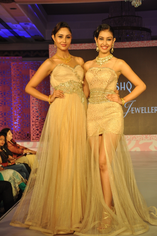 Tanishq Wedding collection launched by an exclusive fashion with Navneet Kaur Dhillon-Miss India World 2013 and Purva Rana- Miss United Continent, Vice Queen 2013